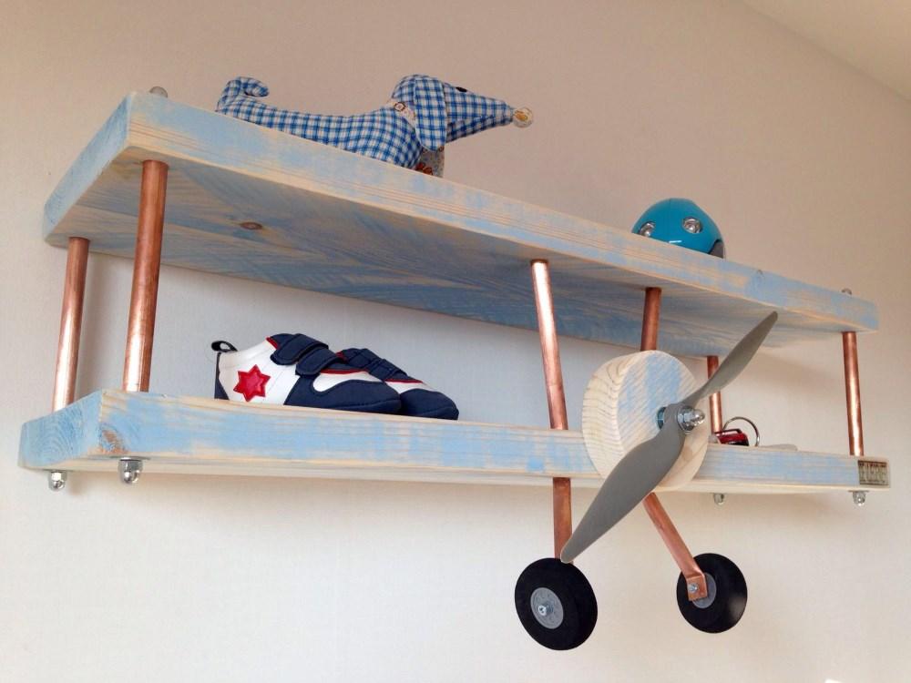 kinderkamer bluewash vliegtuig wandplank zijkant1