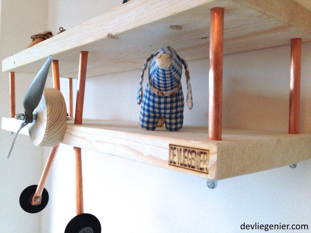 kinderkamer-vliegtuig-wandplank-zijkant1 - devliegenier-com