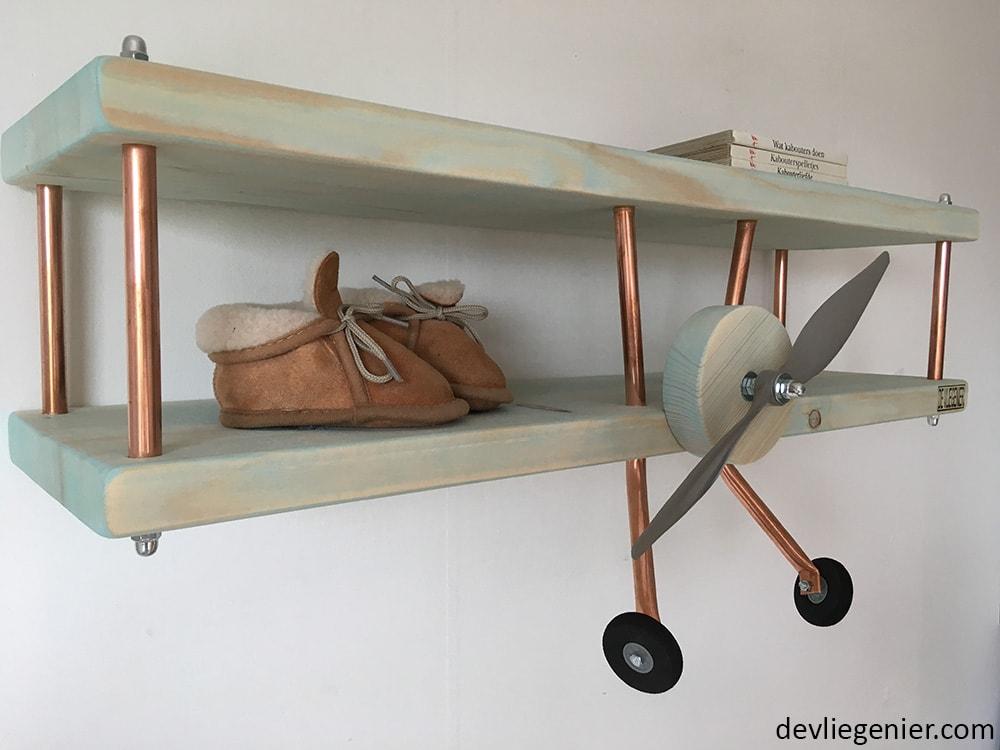 kinderkamer bluewash vliegtuig wandplank zijkant 3 - devliegenier.com